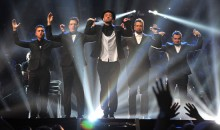 *NSYNC reunite and perform at the MTV VMAs 2013