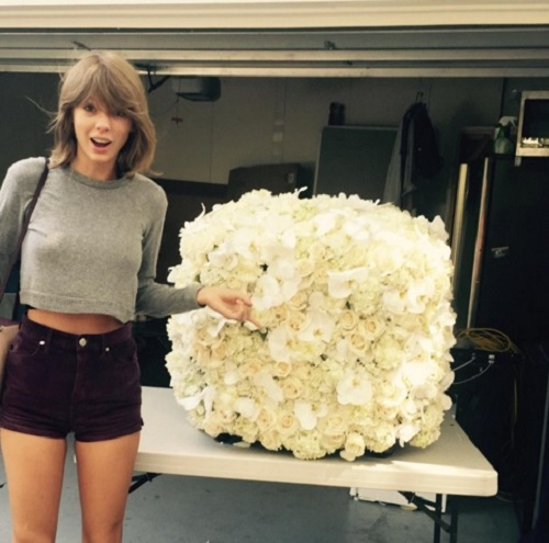 kanye west taylor swift flowers